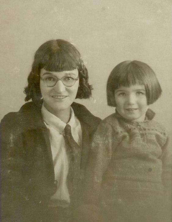 1937-Mary-BRINE-nee-MAPLESDEN-with-Sylvia-Rose-BRINE